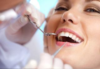 https://www.dentistedrummondville.com/wp-content/uploads/2015/12/plombage-esthetique-blanchiment-dentaire_dentistes-Drummondville-320x222.jpg